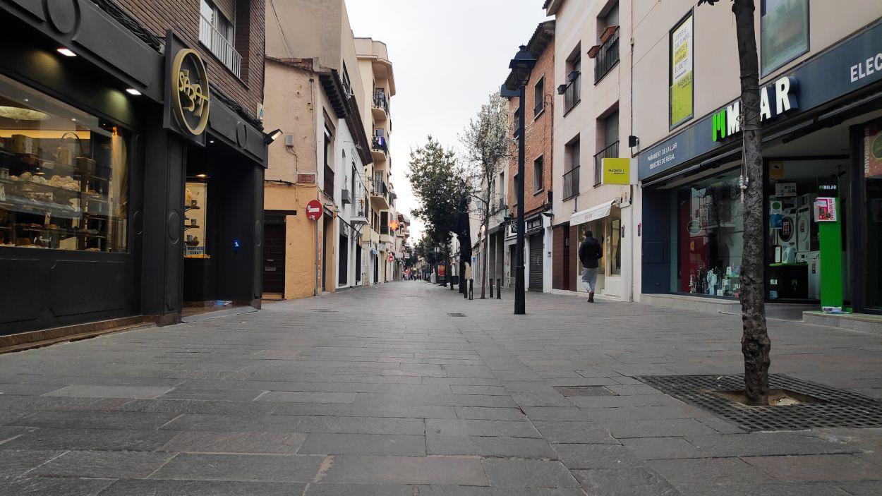 Els carrers de la ciutat han quedat pràcticament deserts / Foto: Cugat Mèdia