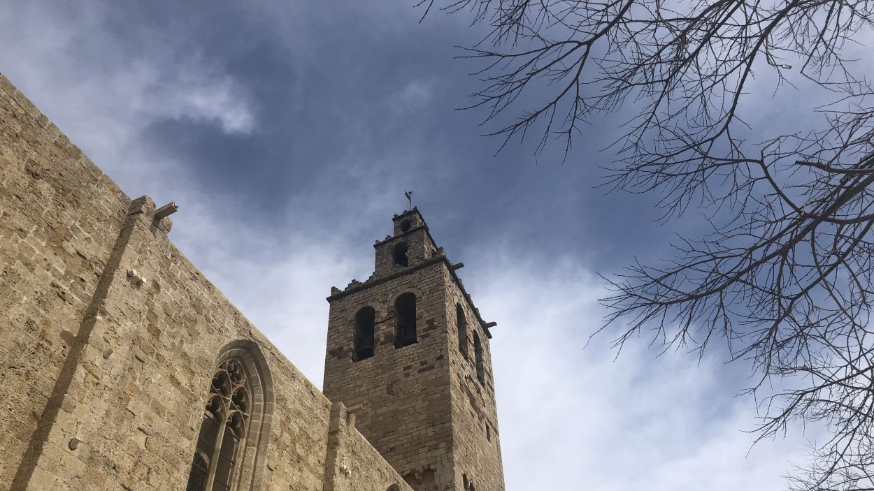 Les campanes del Monestir de Sant Cugat ressonen en suport als afectats pel coronavirus