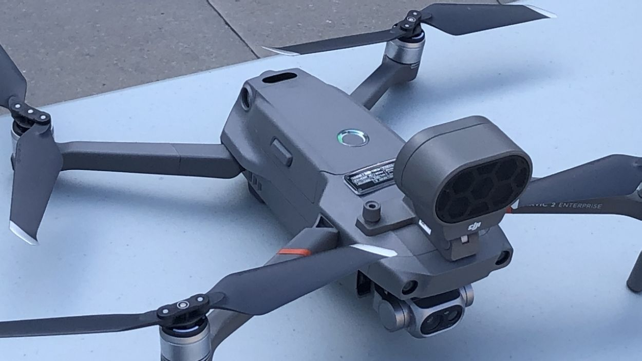 Imatge del dron que sobrevola Sant Cugat / Foto: Cugat Mèdia