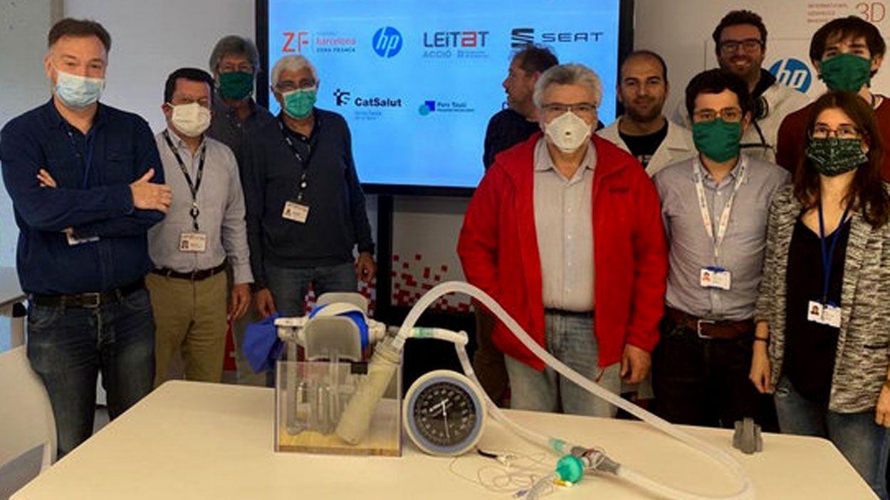 L'equip d'impulsors del projecte del respirador / Foto: ACN