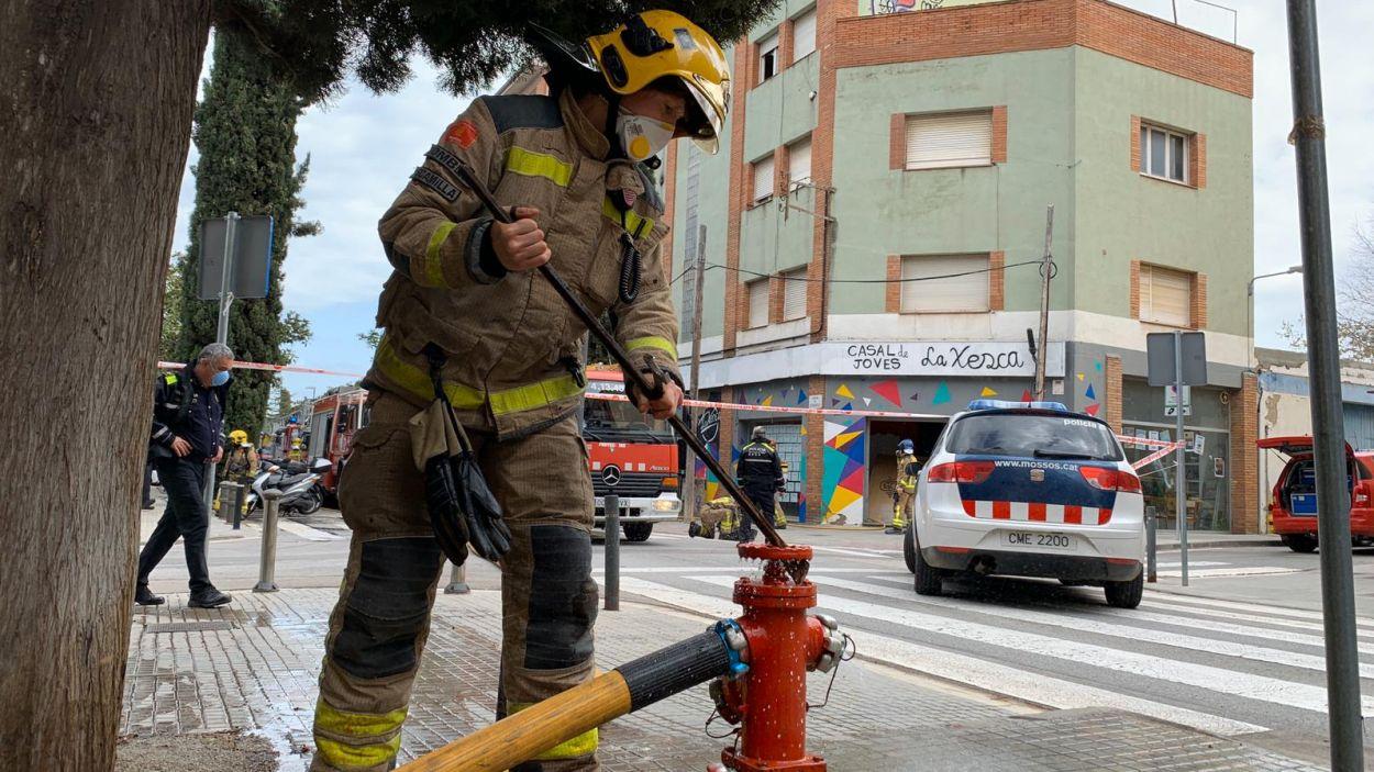 Els Bombers han sufocat el foc ràpidament / Foto: Lluís Llebot - Cugat Mèdia
