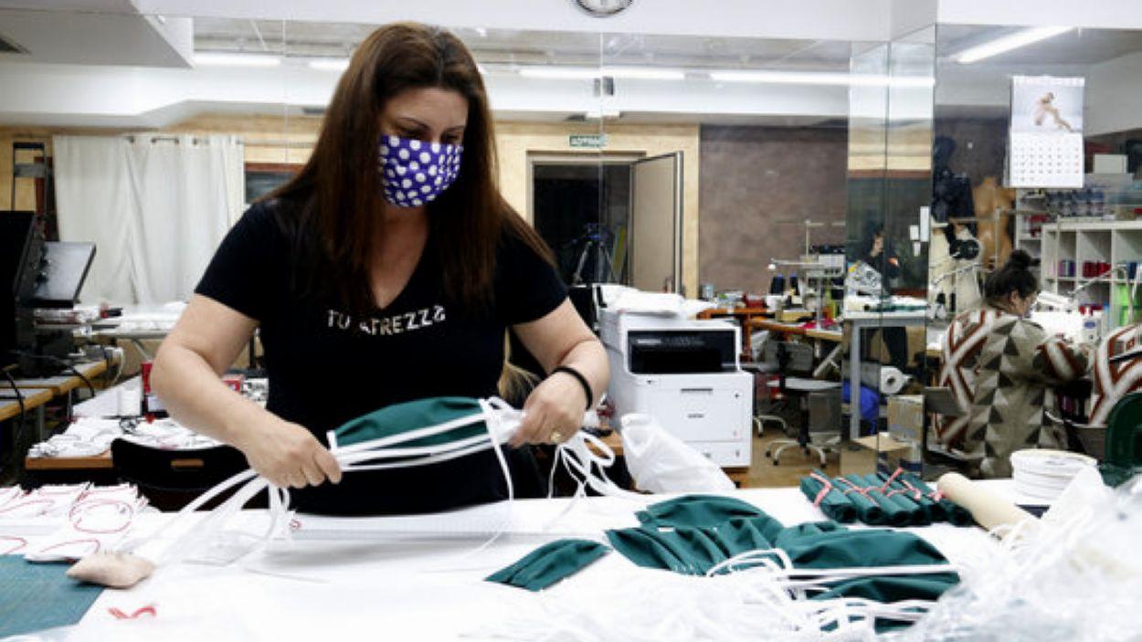 L'Ajuntament fa una crida a persones voluntàries de Sant Cugat per cosir mascaretes