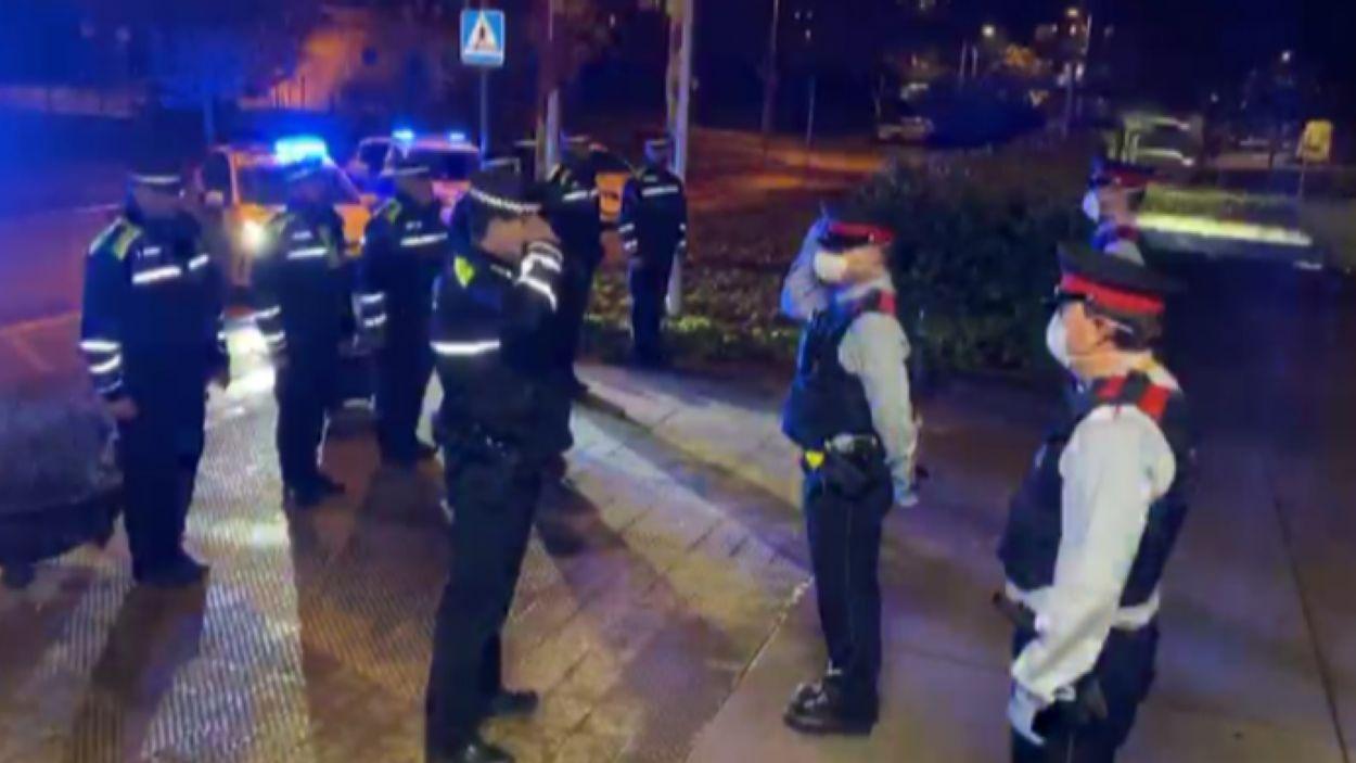 Homenatge de Policia Local a Mossos d'Esquadra / Font: Policia Local