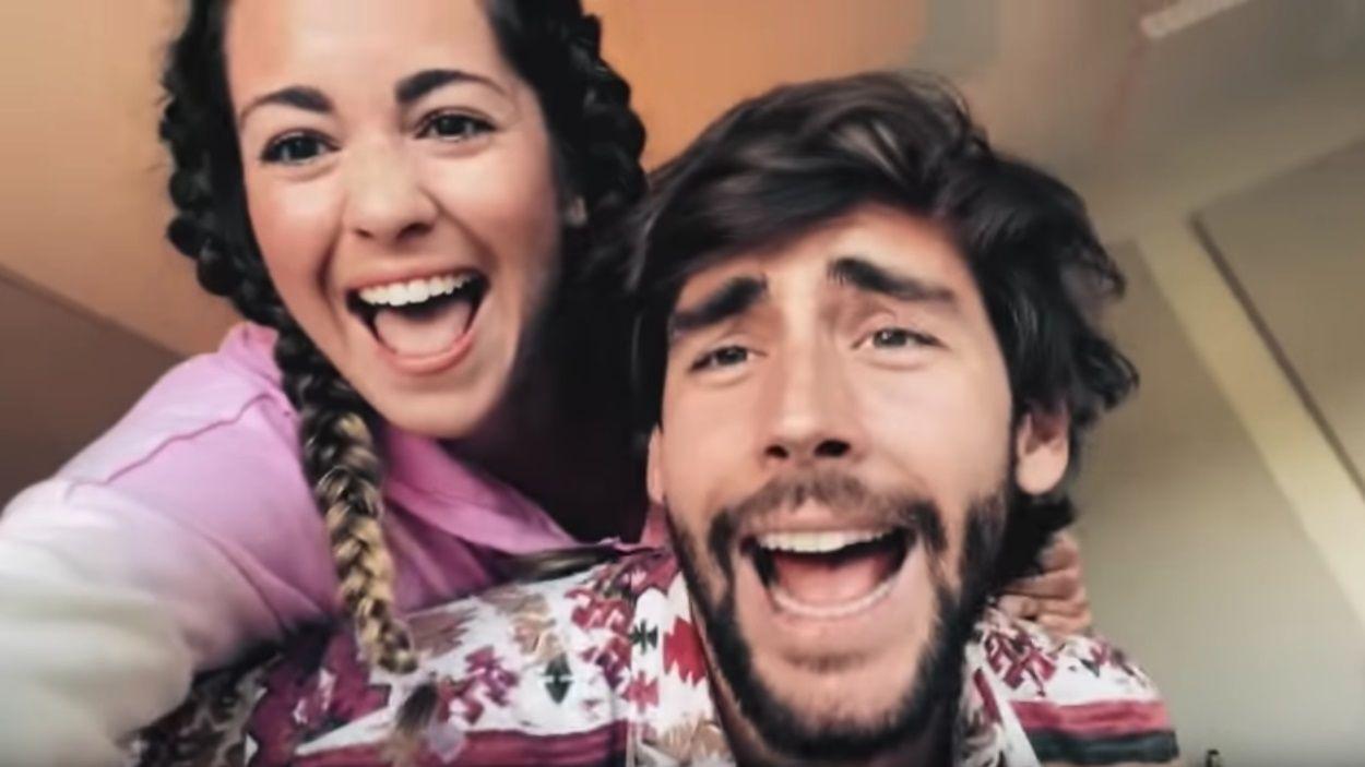 Sofia Ellar i el santcugatenc Álvaro Soler participen en aquest 'Resistiré 2020' / Foto: Youtube