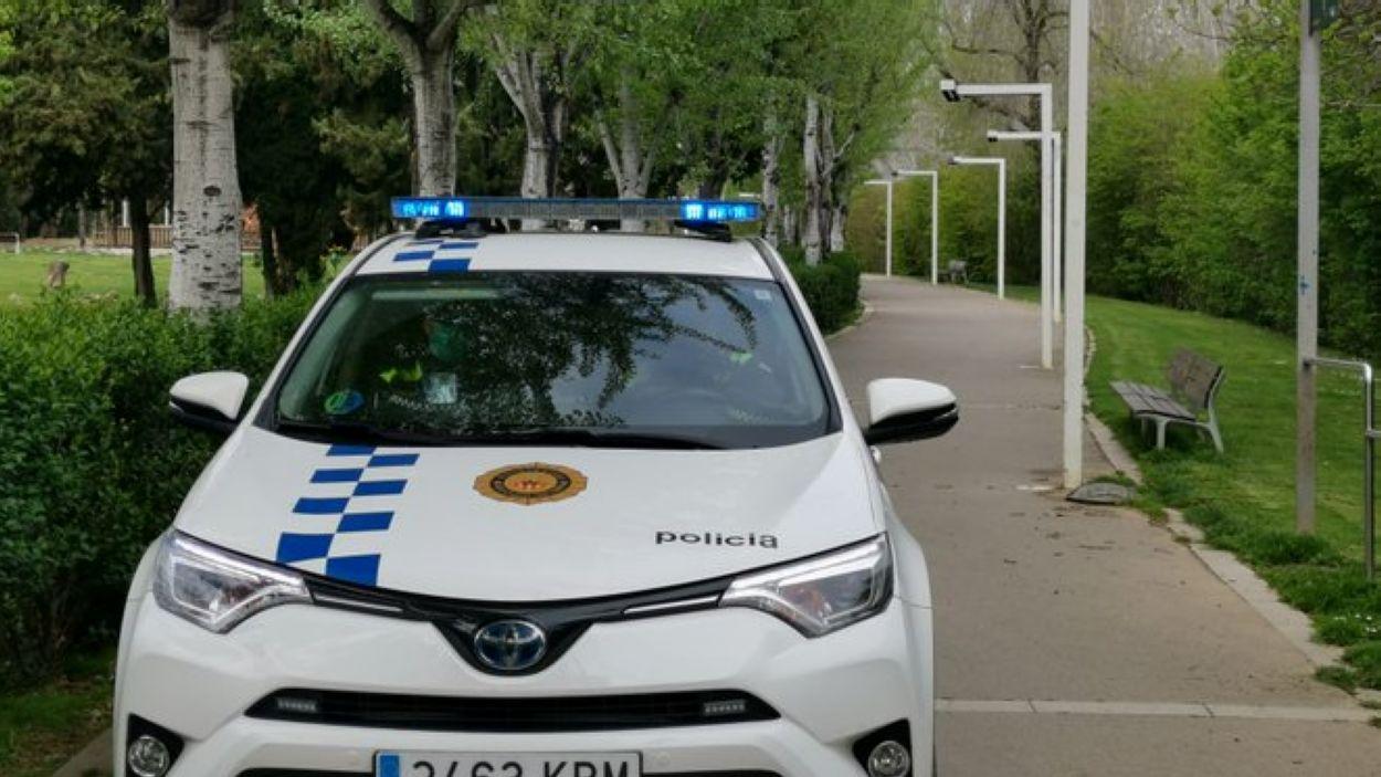 Agents de la Policia Local i de Protecció Civil de Sant Cugat van tirar endavant l'actuació / Foto: Ajuntament