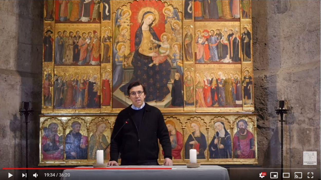 El mossèn Emili Marlés durant una missa / Foto: YouTube Monestir Sant Cugat