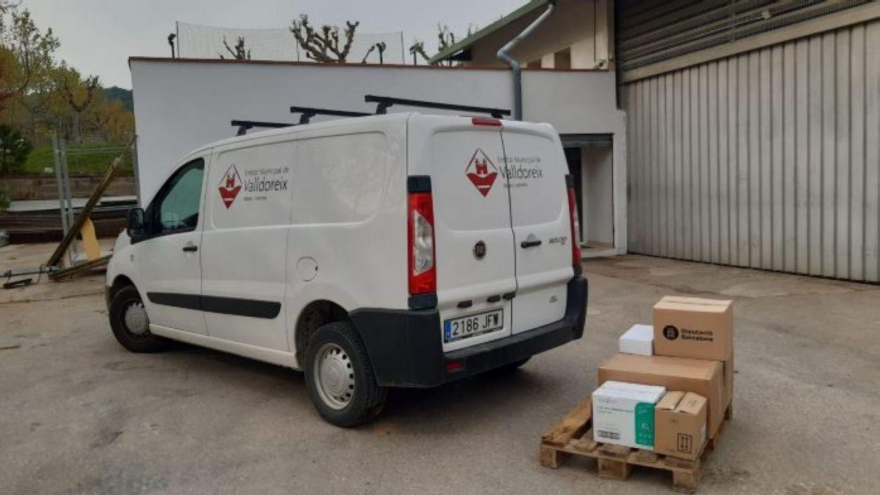 El material s'entregarà als serveis essencials de Valldoreix / Foto: EMD de Valldoreix