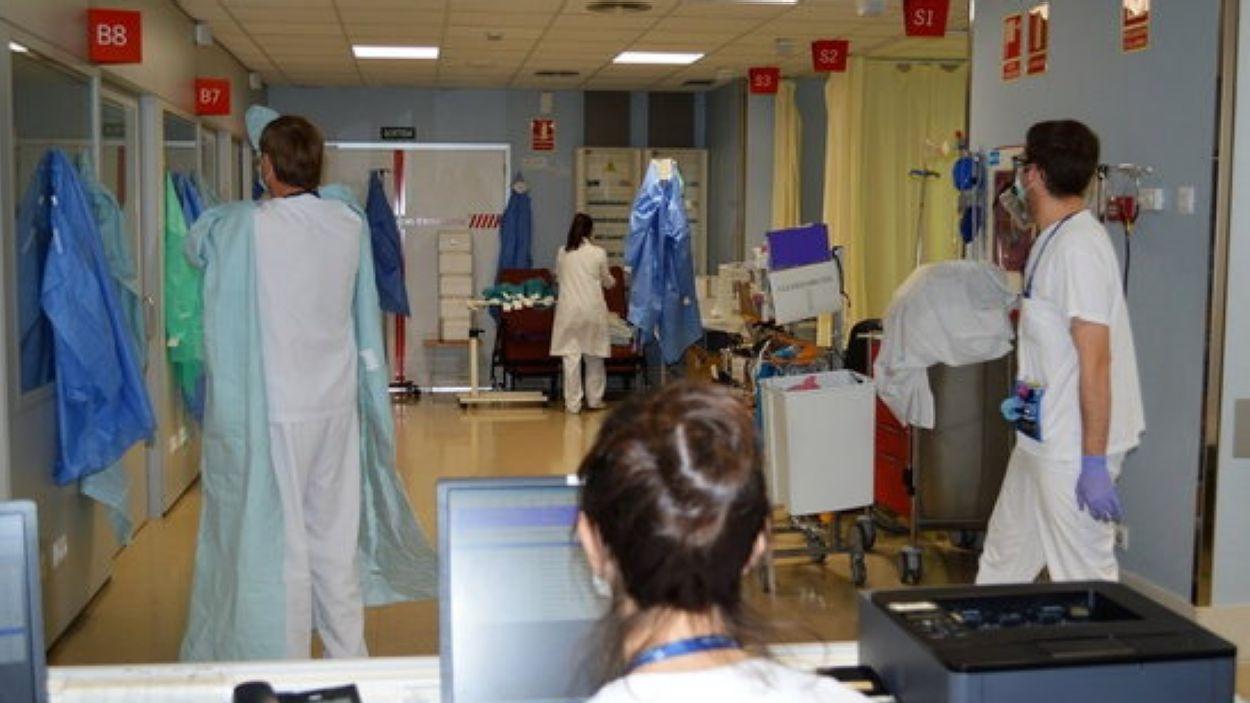 Una imatge d'arxiu de sanitaris treballant / Foto: ACN
