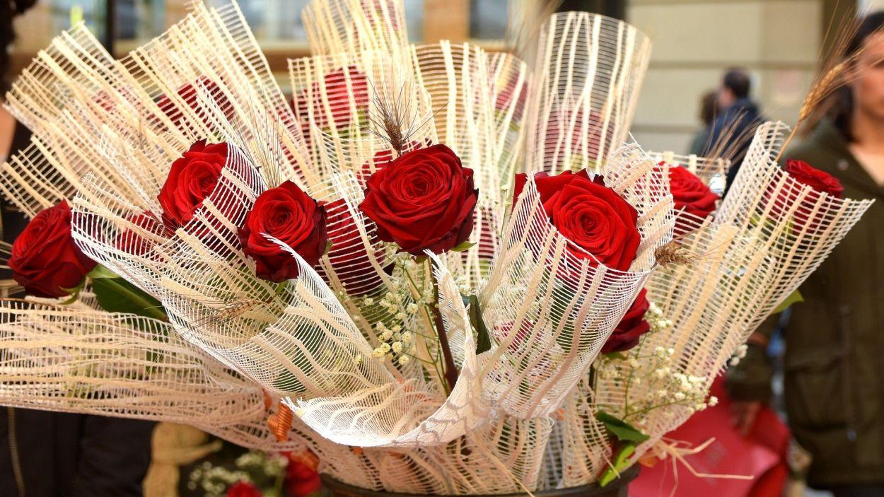 Les roses de Sant Jordi aquest any han de ser a domicili perquè es viurà una diada en confinament / Font: CC-BY Pixabay