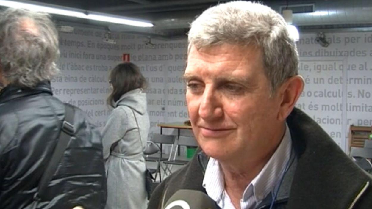 Pérez Tornero durant una entrevista / Foto: Cugat Mèdia