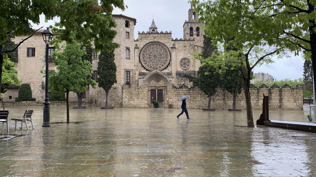 La plaça d'Octavià mullada per la pluja / Foto: Cugat Mèdia