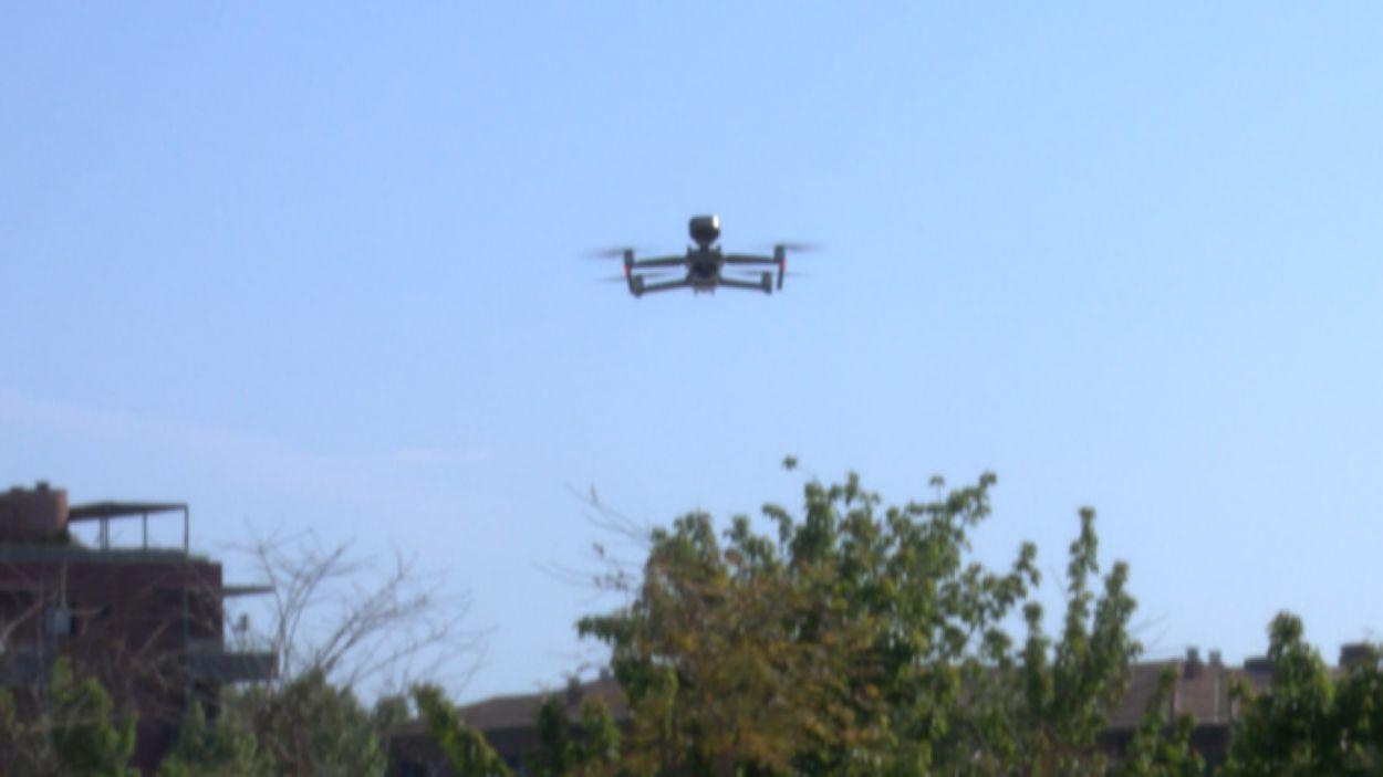 Imatge del dron sobrevolant Sant Cugat / Font: Cugat Mèdia