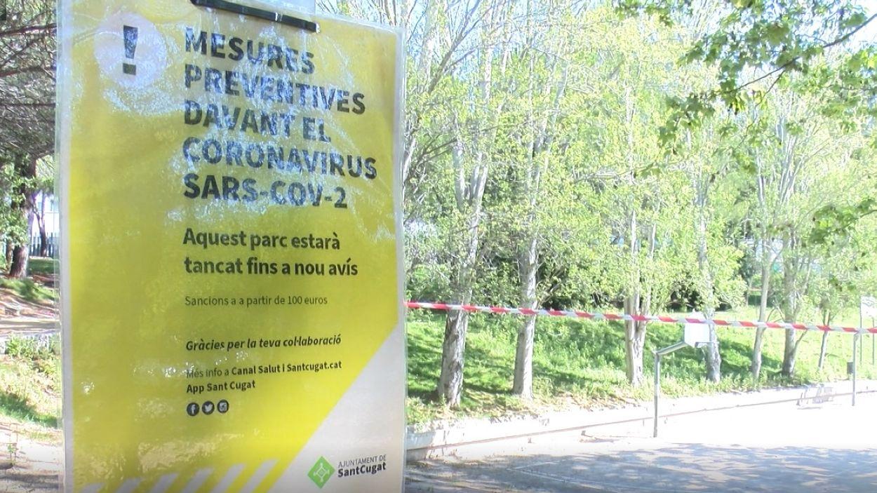Les instal·lacions esportives a l'aire lliure estan precintades / Font: Cugat Mèdia