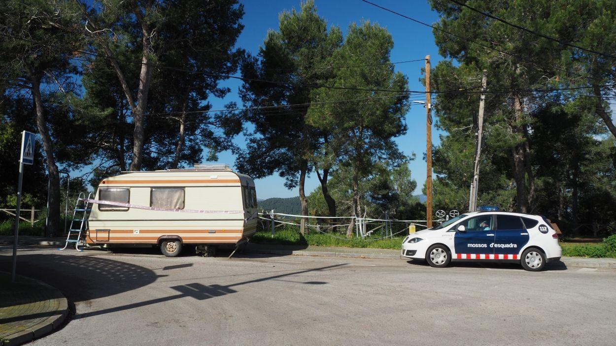 Imatge de la caravana instal·lada a les Planes on es va localitzar l'acusat / Foto: Cugat Mèdia