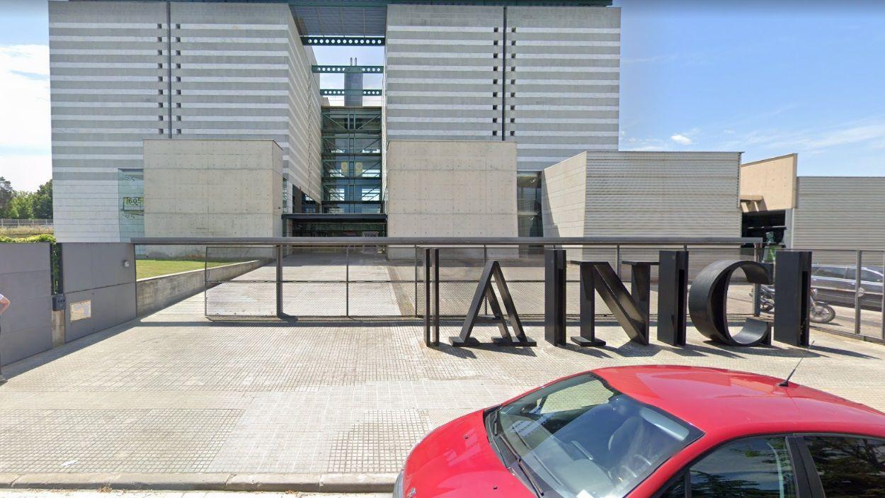 L'edifici de l'ANC, situat a Sant Cugat, seguirà tancat fins la fase 1 de desconfinament / Foto: Google Maps