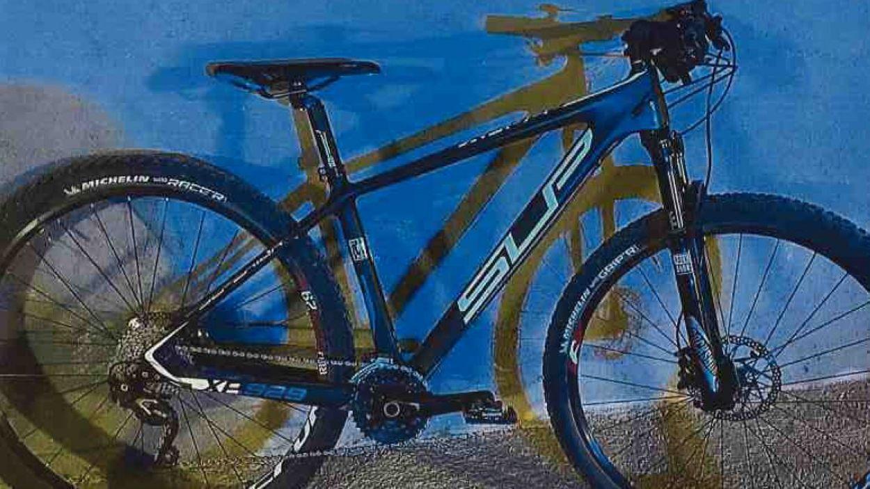 El detingut intentava fugir amb la bicicleta robada / Foto: Mossos d'Esquadra