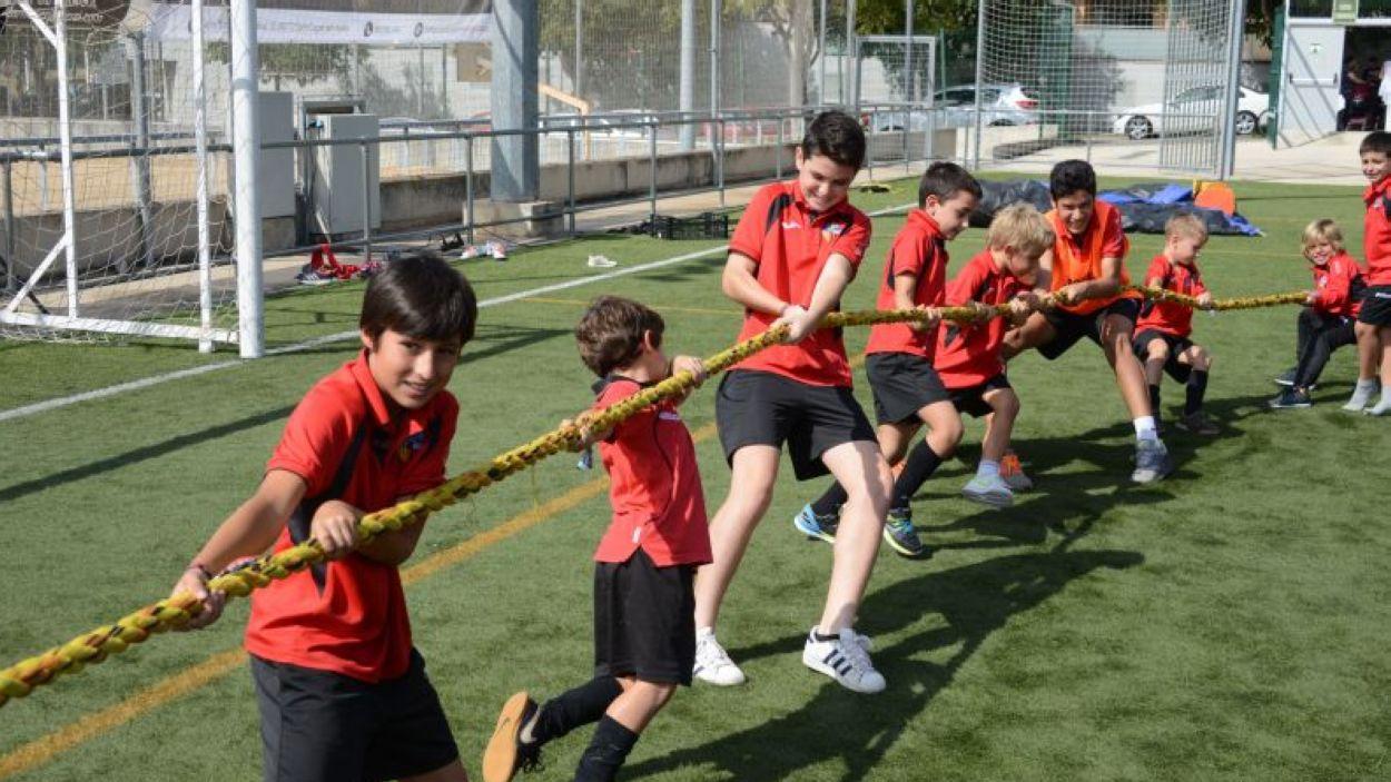 Imatge de la darrera edició del campus d'estiu del SantCu / Font: Sant Cugat FC