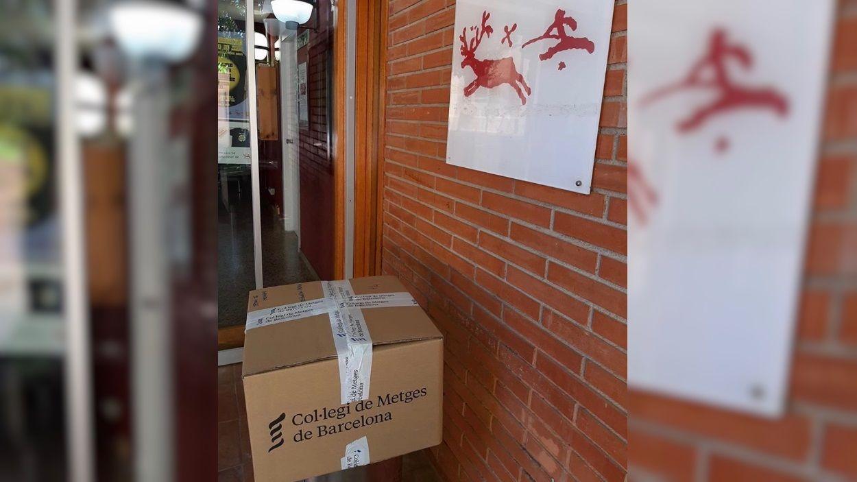 Quatre caixes de material enviades a l'entitat / Foto: Jeroni de Moragas
