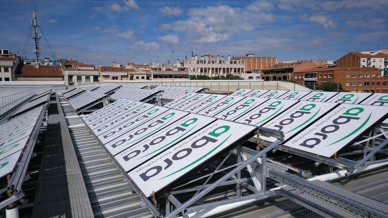 160 panells híbrids instal·lats a la ZEM de la Rambla del Celler / Foto: Ajuntament