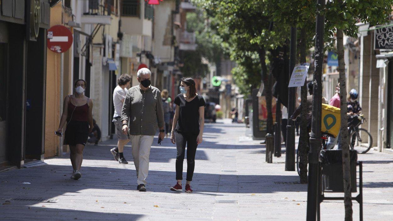 L'ús de mascareta és clau per frenar la pandèmia / Foto: Lluís Llebot - Cugat Mèdia