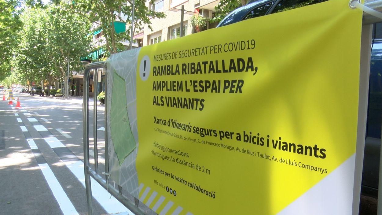 Senyalització a la rambla de Ribatallada / Foto: Cugat Mèdia