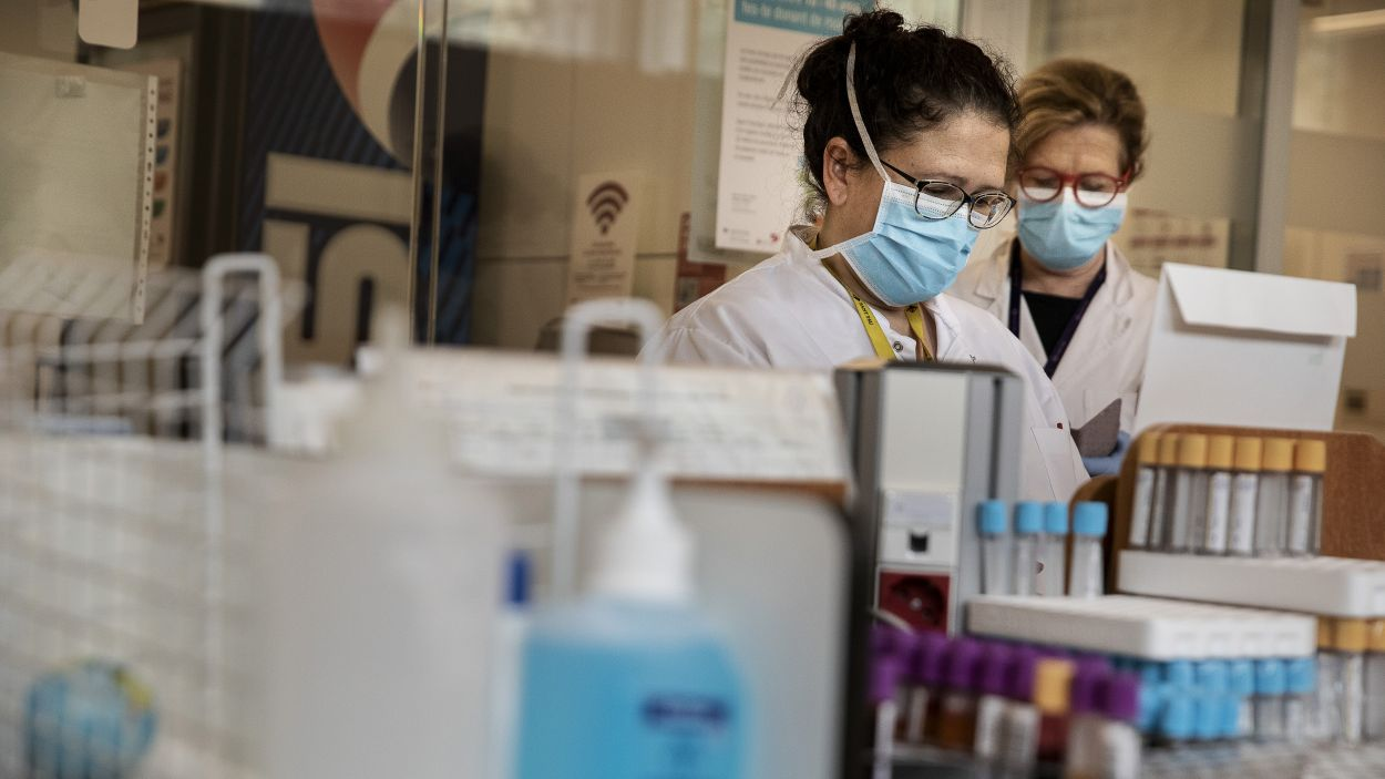 Els sanitaris fan front a la pandèmia en primera línia / Foto: CC-by-2.0 Jordi Play - Banc de Sang i Teixits