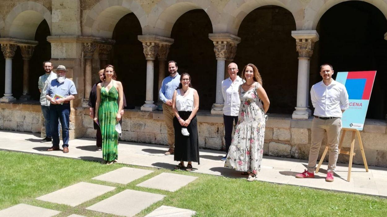 Foto de família de la presentació de la programació del 'Sant Cugat a escena' / Font: Ajuntament de Sant Cugat