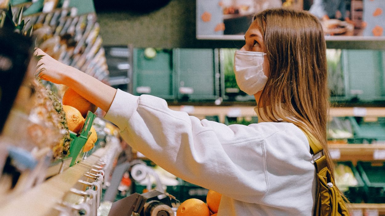 La mascareta s'ha convertit en una necessitat / Foto: Anna Shvets (Pexels)