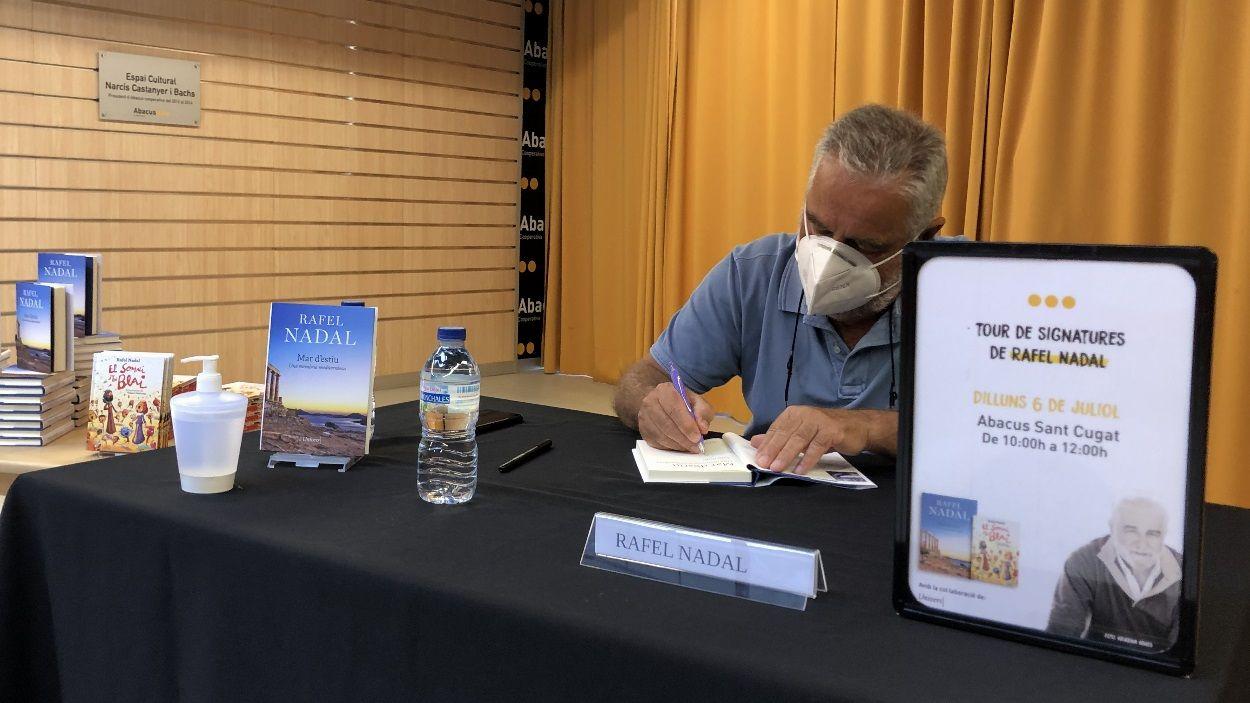 Rafel Nadal ha signat els seus dos darrers llibres a l'Abacus de Sant Cugat / Foto: Cugat Mèdia