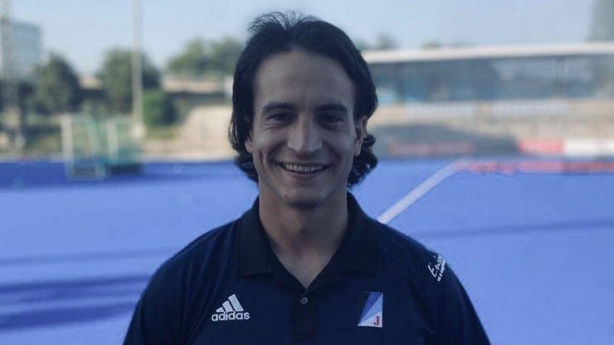 Jordi Farrés ja llueix amb la samarreta del Junior / Foto: Junior F.C.