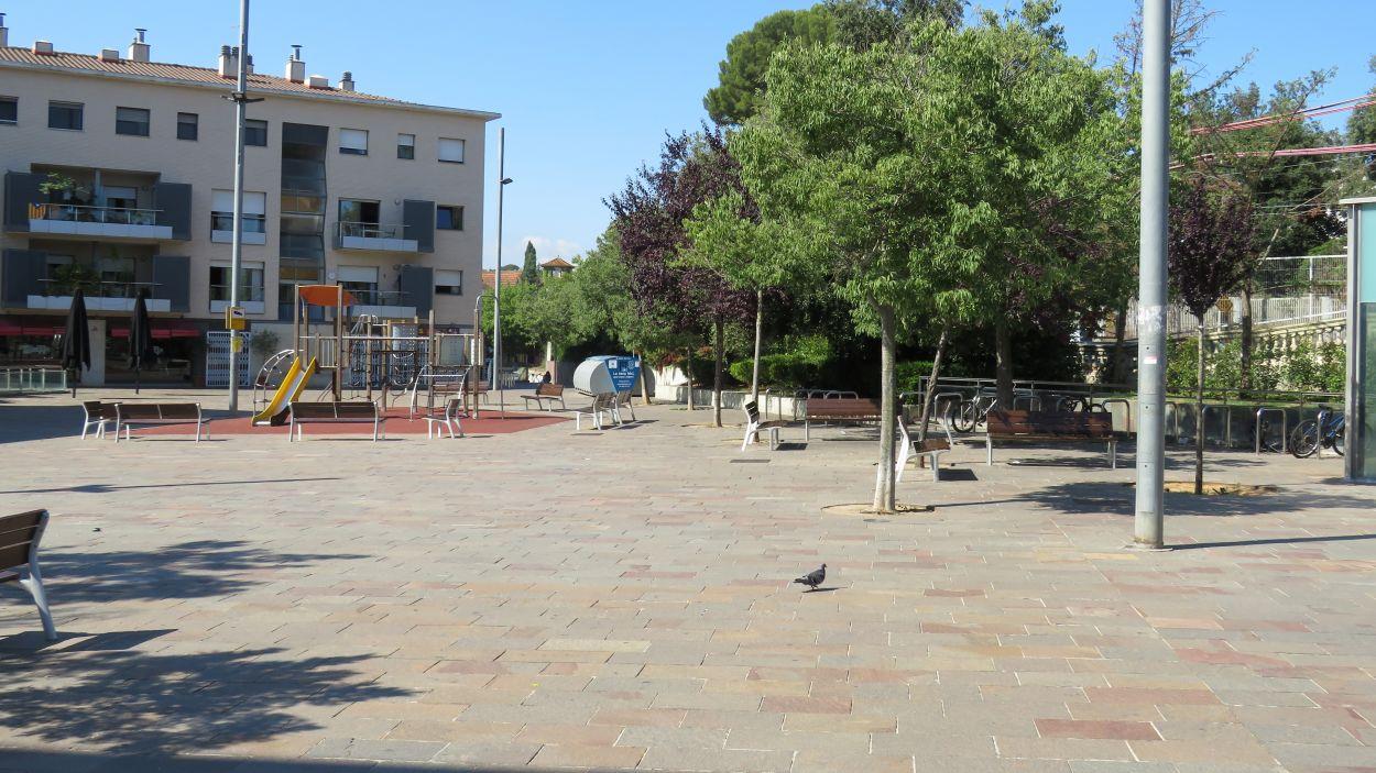 Imatge de la plaça de Lluís Millet, al costat de l'estació de FGC de Sant Cugat / Foto: Cugat Mèdia