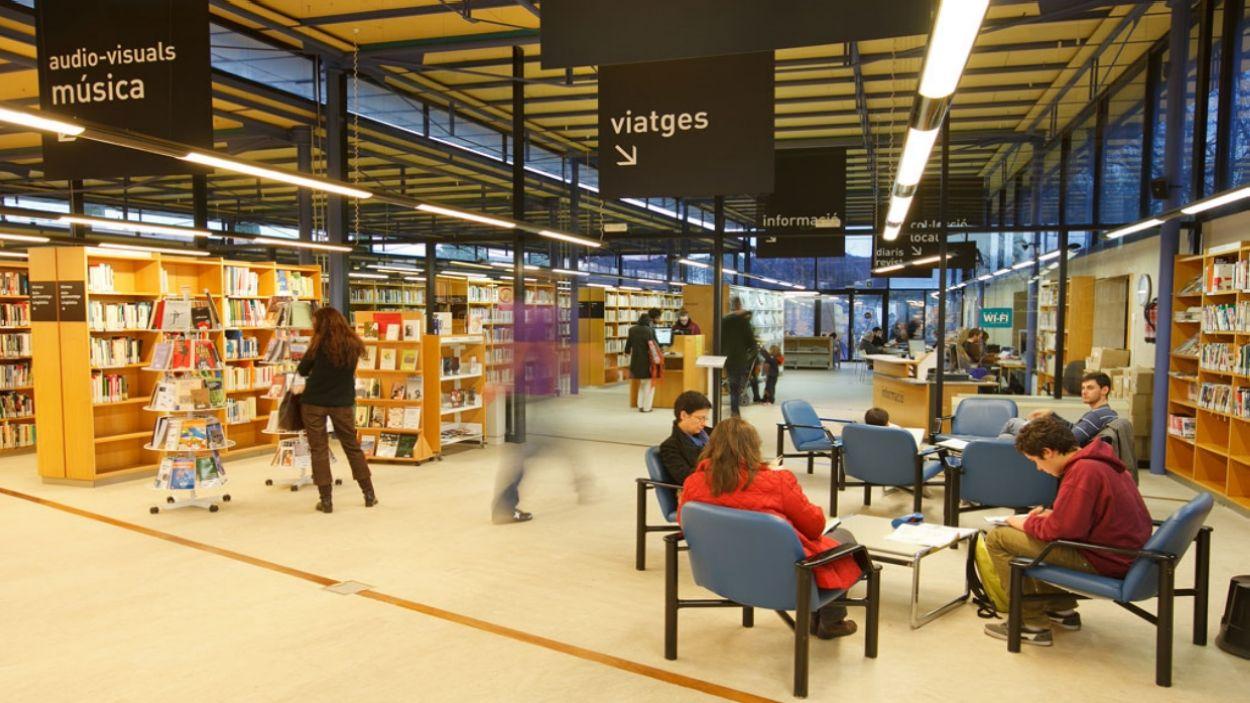 Només la Biblioteca Central Gabriel Ferrater obrirà portes a l'estiu / Foto: Localpres