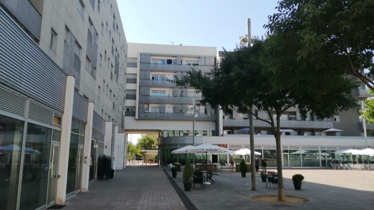 La plaça dels Rabassaires es troba al barri de Volpelleres de Sant Cugat / Foto: Cugat Mèdia