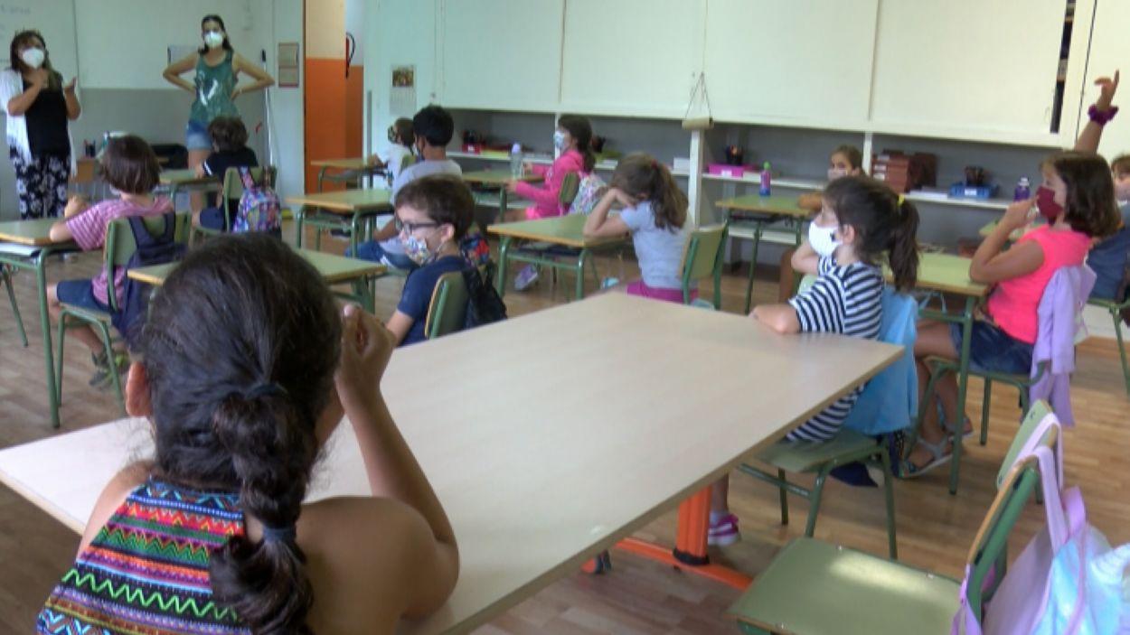 Es redueix el nombre de grups confinats a les escoles de Sant Cugat en una setmana