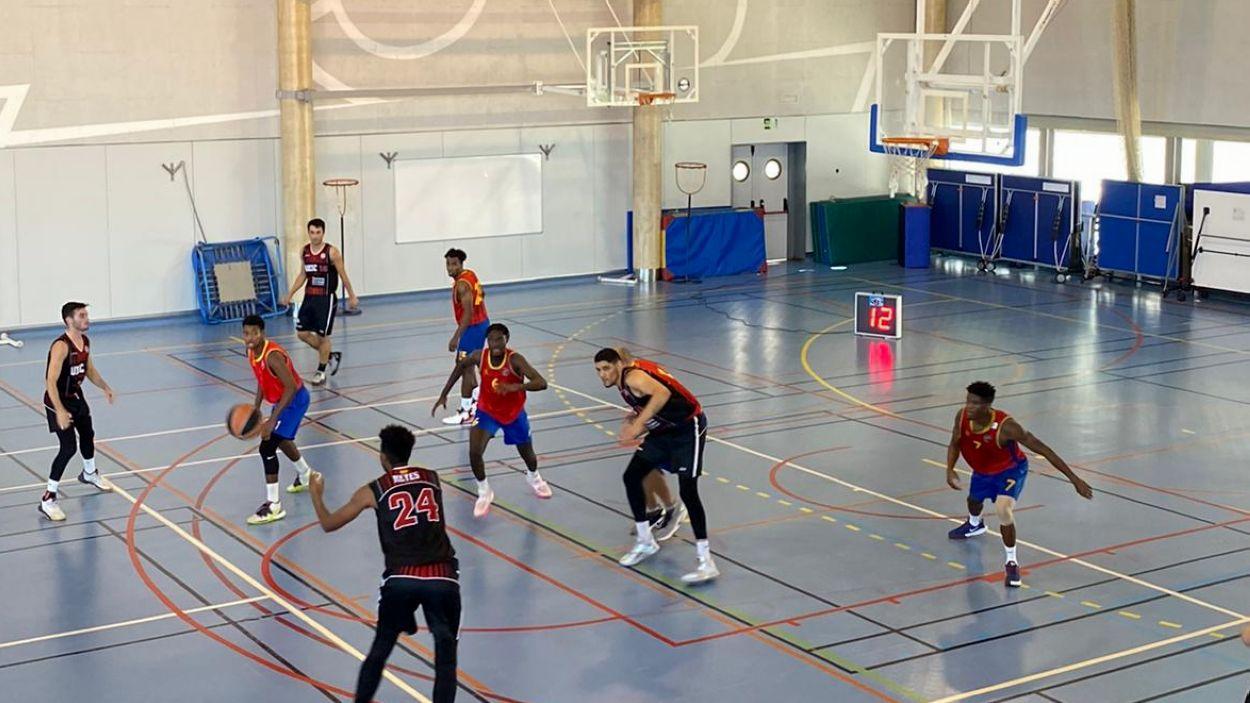 La UESC s'h estrenat amb derrota a la Lliga Catalana EBA / Font: UESC