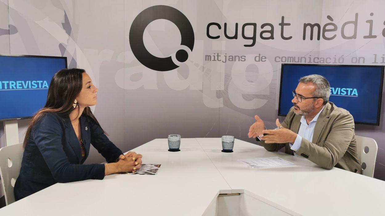 La tinenta d'alcaldia Elena Vila, entrevistada al plató de Cugat Mèdia.