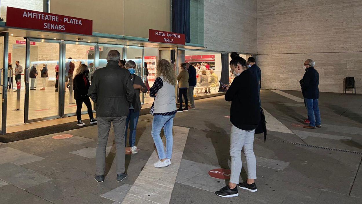 El Teatre-Auditori reobre portes amb seguretat i amb l'obra 'Juana' que enceta temporada