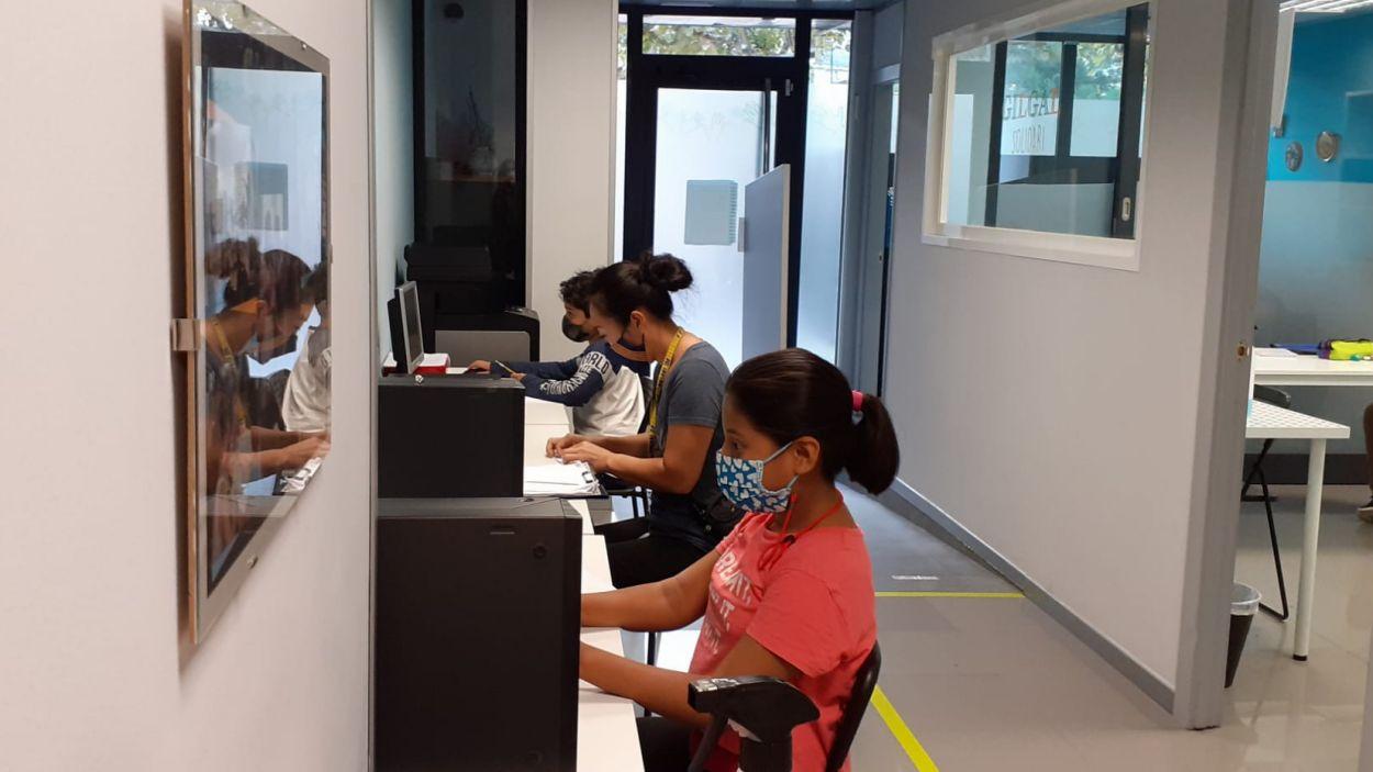 Gilgal Solidari ofereix suport per a alumnes sense recursos / Foto: Gilgal Solidari