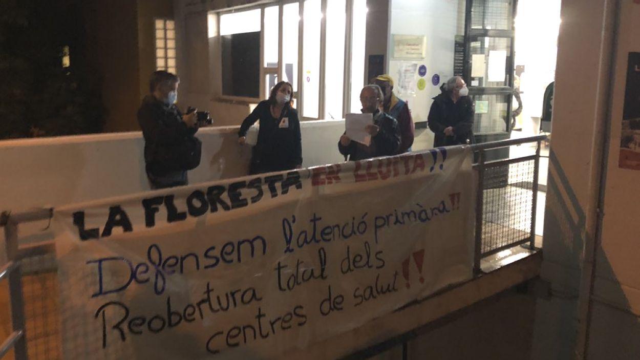 El Centre Social i Sanitari de la Floresta acull el consultori del districte / Foto: Twitter Xènia Amorós