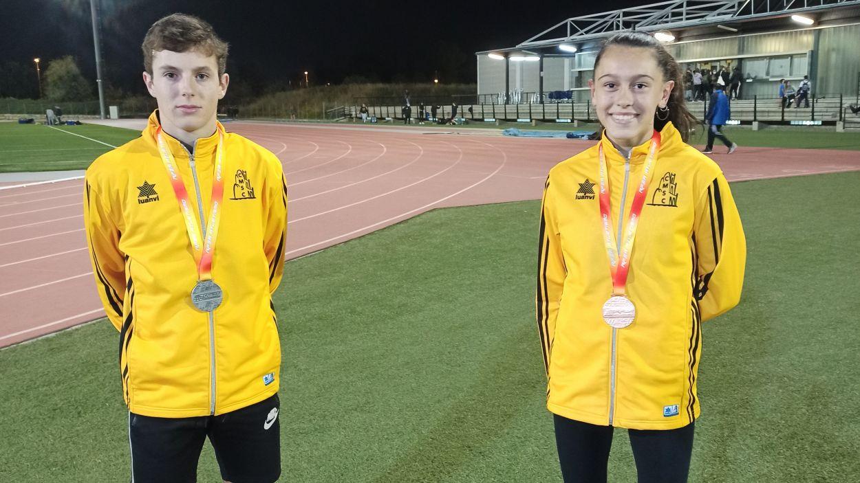 Els atletes del Club Muntanyenc Sant Cugat Aleix Fuchs i Elda Romeva al Campionat d'Espanya d'atletisme sub-16 / Foto: Club Muntanyenc Sant Cugat