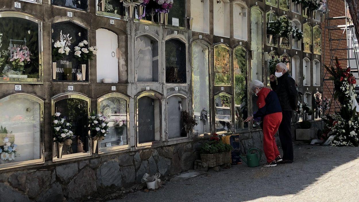 El cementiri de Sant Cugat s'ha adaptat a les restriccions per frenar els contagis de Covid-19 / Foto: Cugat Mèdia