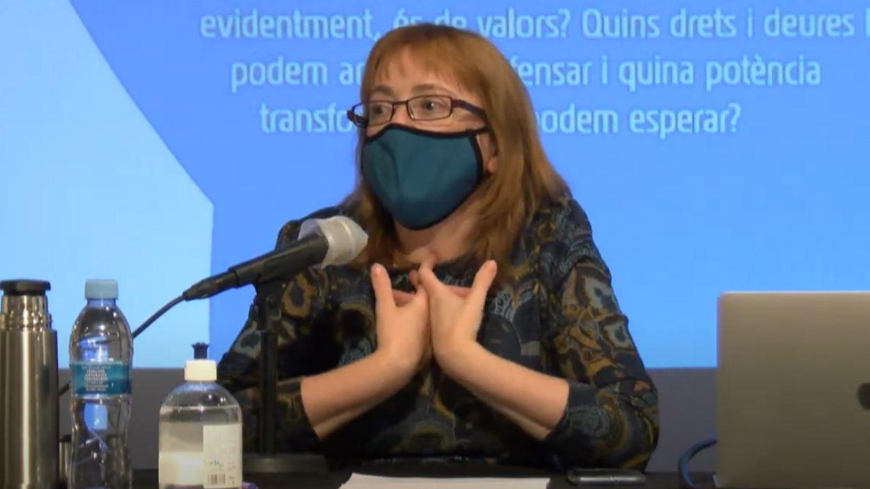 Marta Tafalla durant la seva ponència aquest dilluns al cicle 'Enraonar' / Foto: Cugat Mèdia