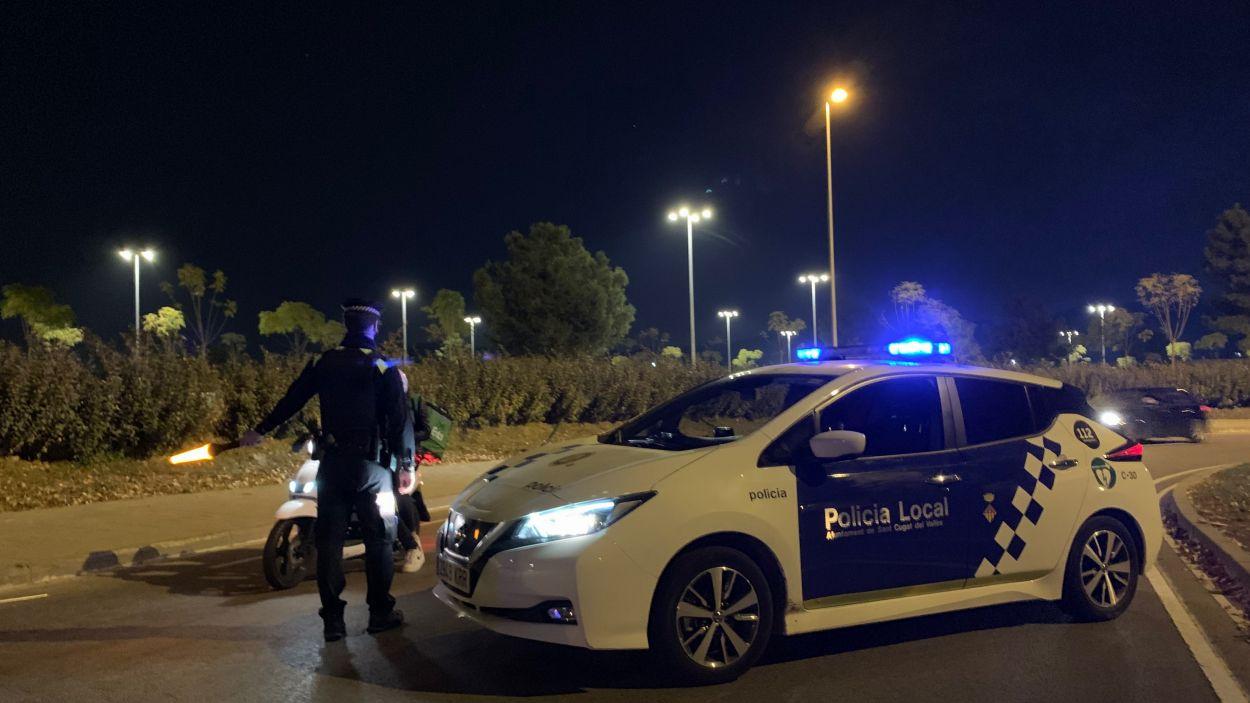 Control de mobilitat pel confinament de la Policia Local de Sant Cugat / Foto: Cugat Mèdia