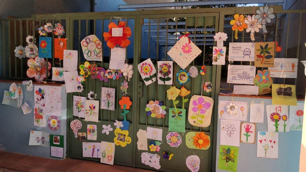 La porta de la llar d'infants Mainada / Foto: Cugat Mèdia