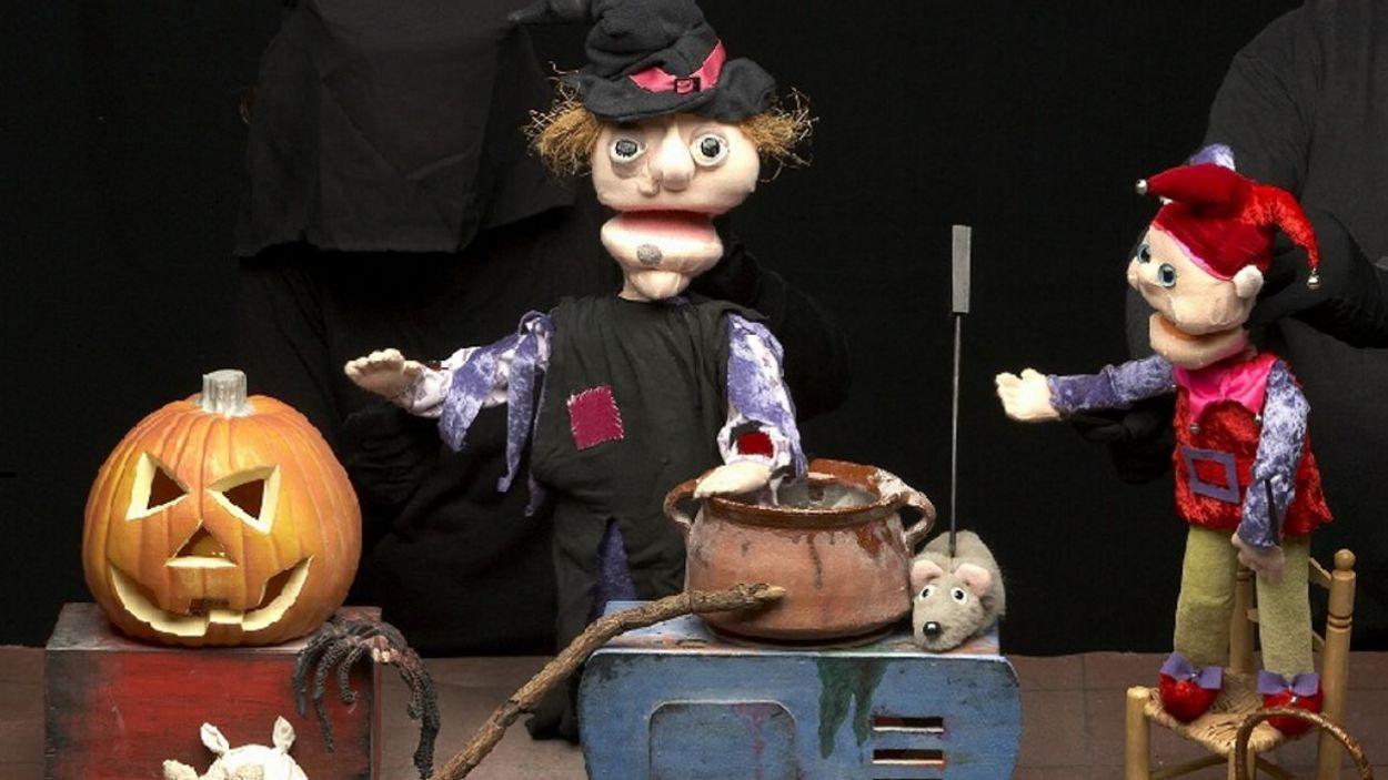 Un moment de l'espectacle 'La bruixa dels castanyers' / Foto: Cia.Teatre en Miniatura