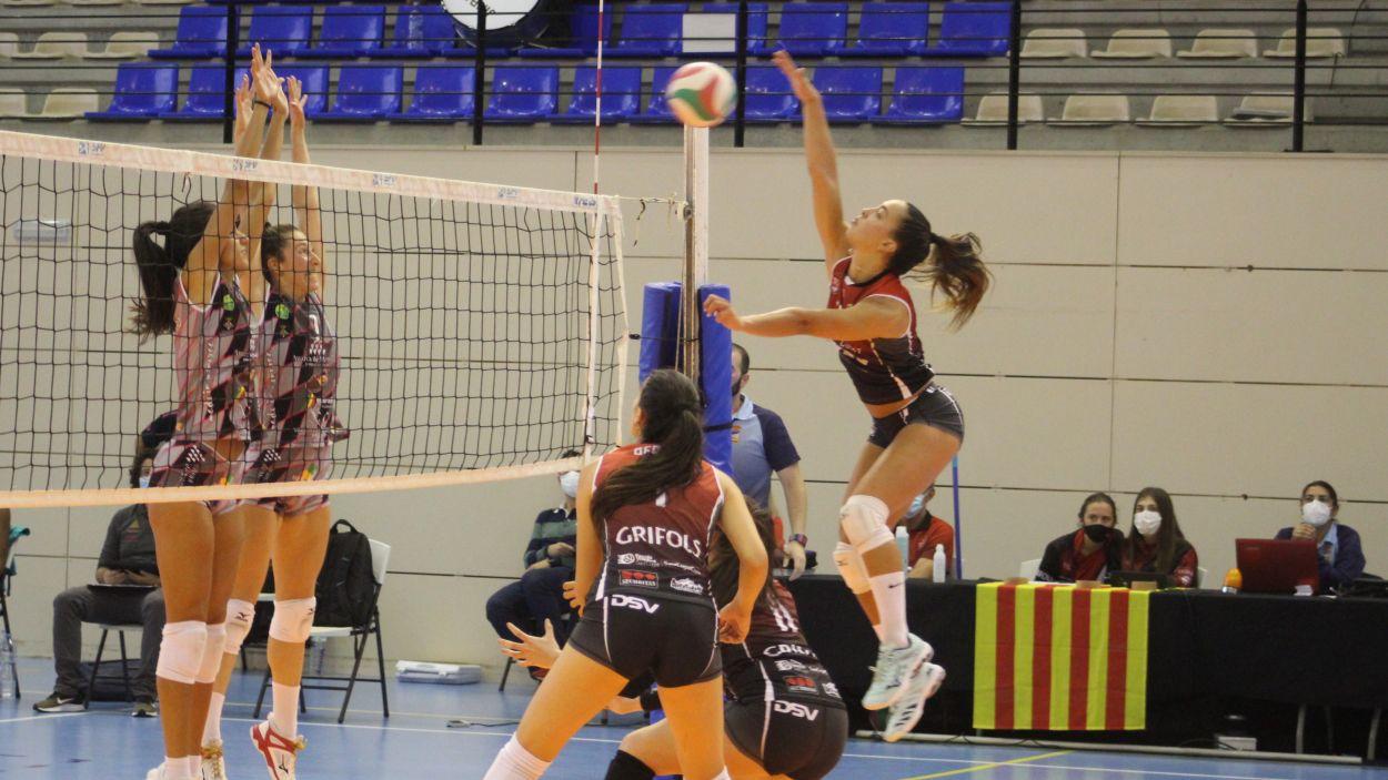 El DSV Volei Sant Cugat es prepara per al partit contra Arenal Emevé / Font: RFEVB