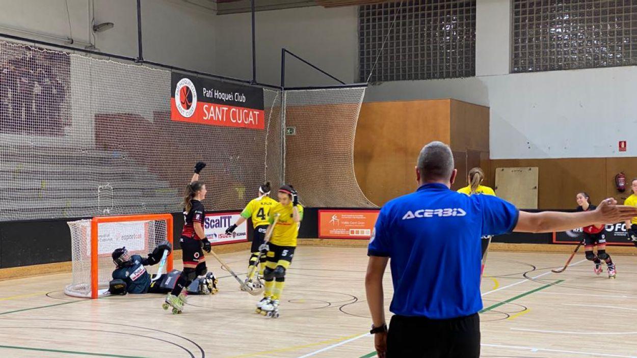 Celebració d'un gol de les jugadores del Patí Hoquei / Font: Cugat Mèdia