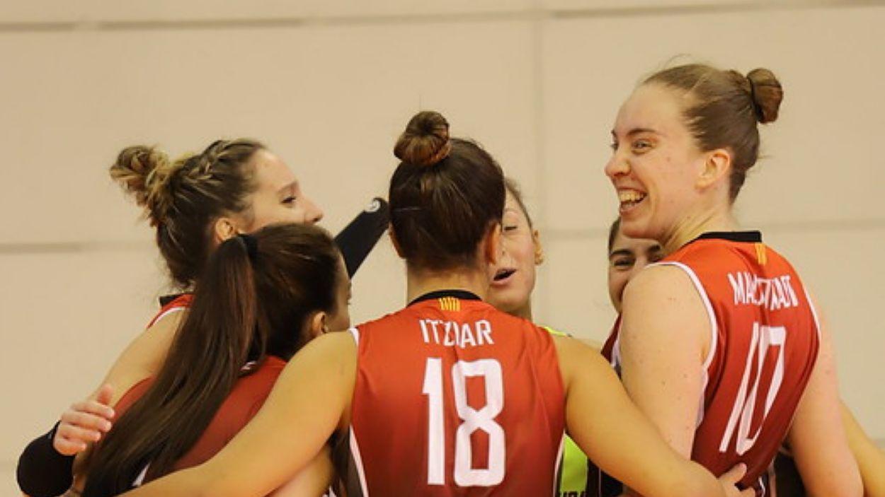 Les jugadores santcugatenques han sumat el tercer triomf de la temporada / Font: Volei Sant Cugat