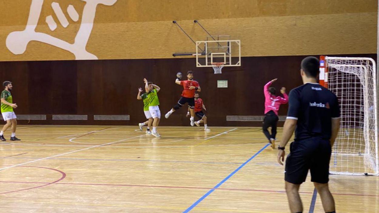 L'Handbol Sant Cugat rep el Sant Quirze / Font: Cugat Mèdia