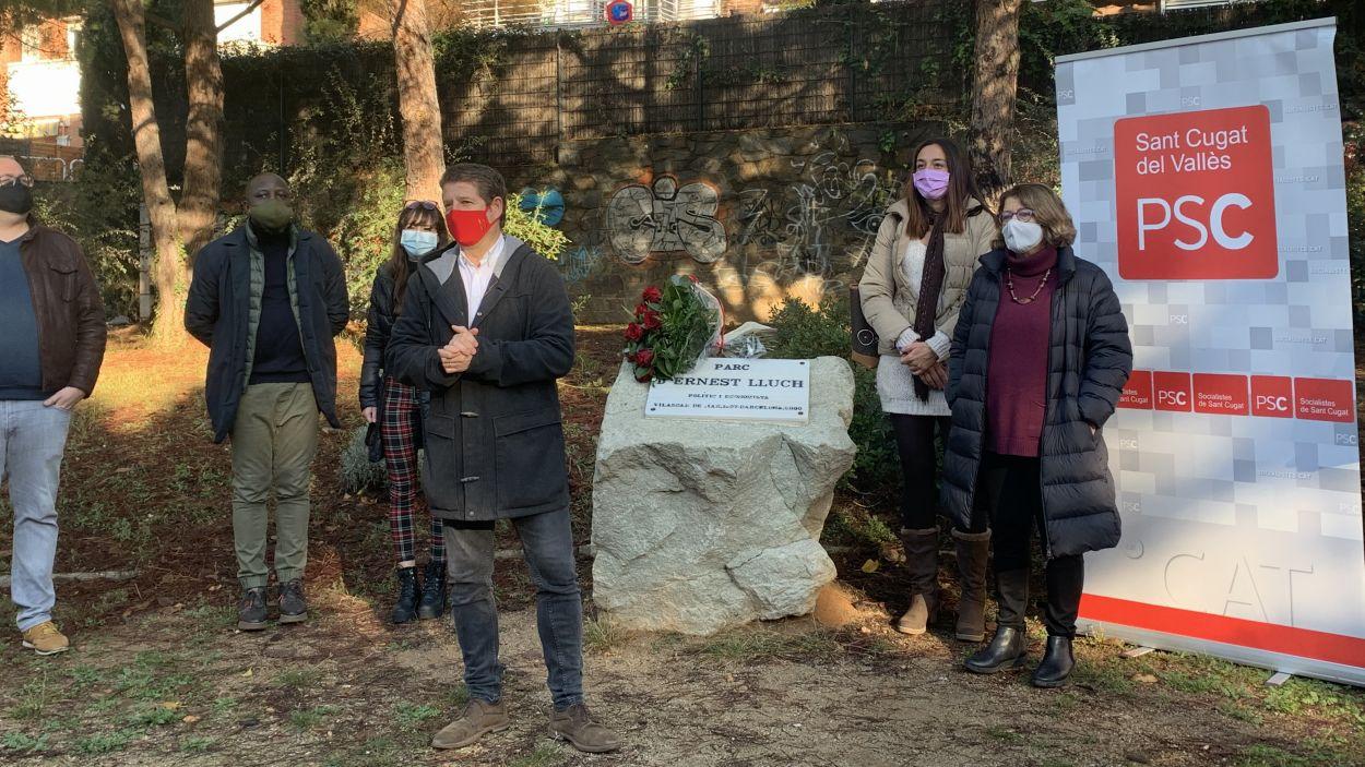 El PSC de Sant Cugat ret homenatge a Ernest Lluch / Foto: Cugat Mèdia